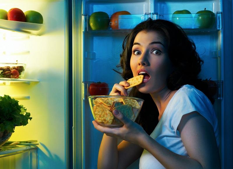 Жор после 18:00! Медики назвали 5 продуктов, которые можно и нужно есть на ночь. Ем и не поправляюсь!