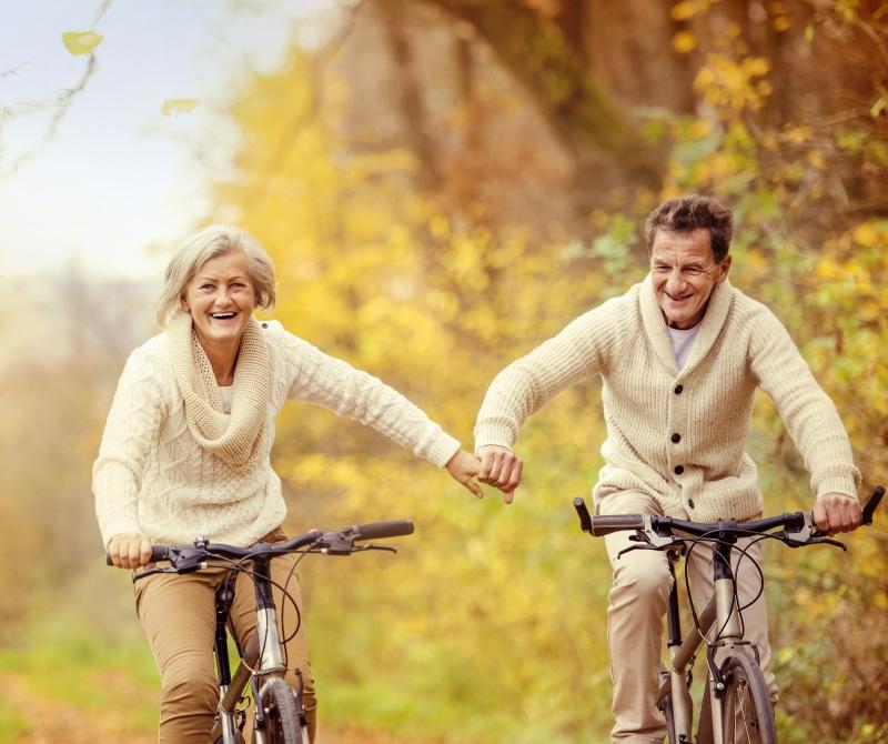 Как живете, так и стареете, товарищи! Доктор Мясников напоминает о правилах против старения.