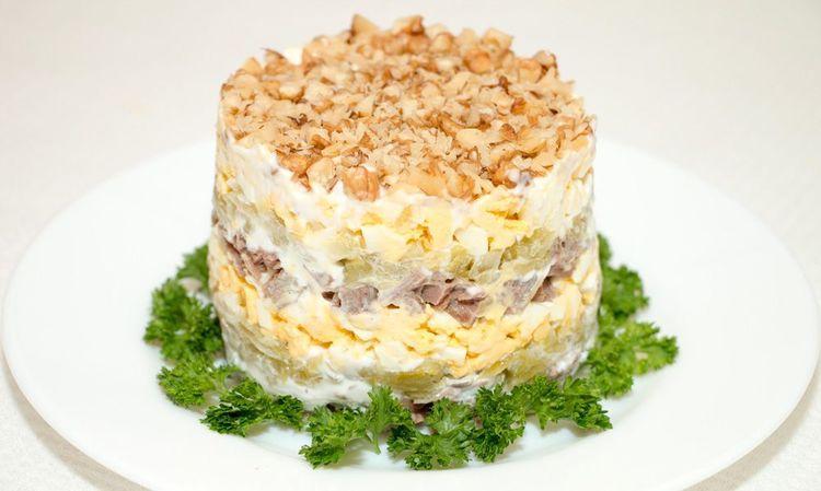 Праздничный слоеный салат «Принц»