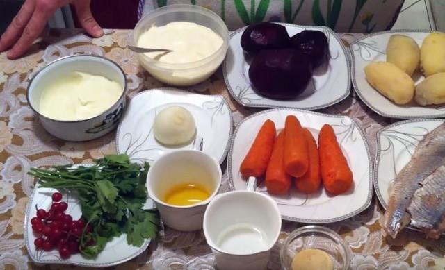 Селёдка под шубой классическая, красиво украшенная, очень вкусные рецепты к любому праздничному столу