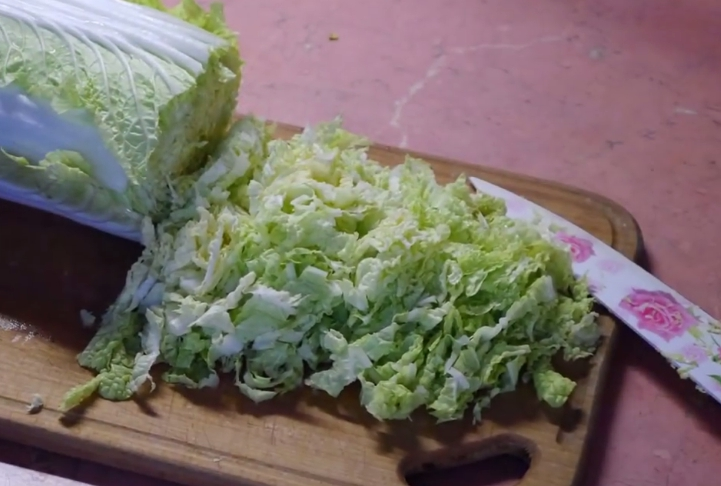Очень вкусные салаты из крабовых палочек — 6 рецепта с пошаговыми фото