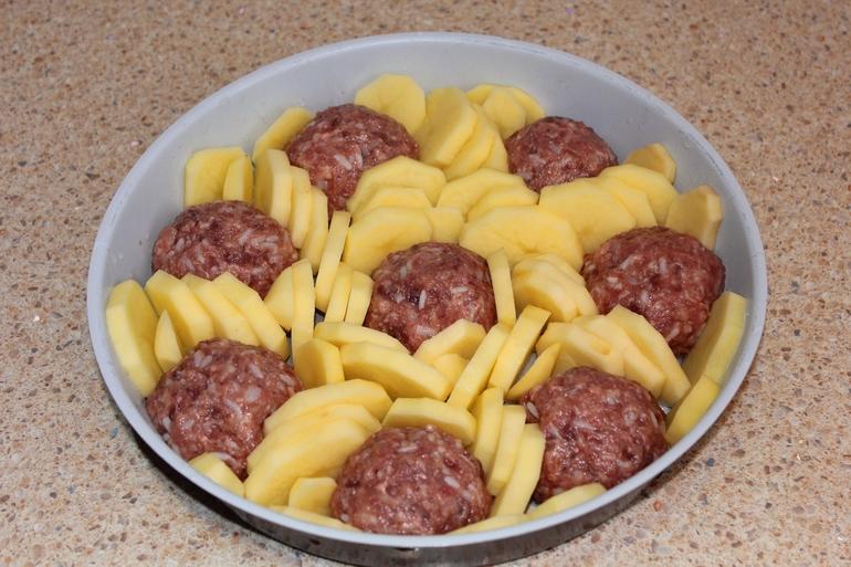 Как накормить всю семью с помощью 200 грамм фарша: вкусный бюджетный ужин. Съедают до последней крошки!