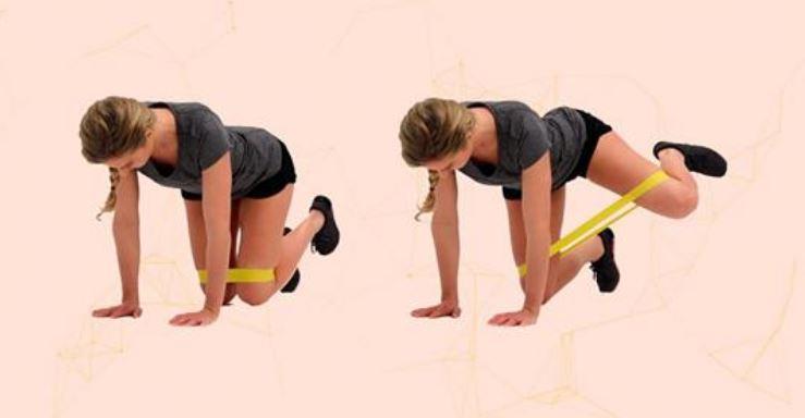 25 упражнений с фитнес-резинкой заменят занятие в спортзале