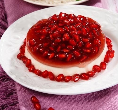 Ягодный десерт с нежным сливочным кремом