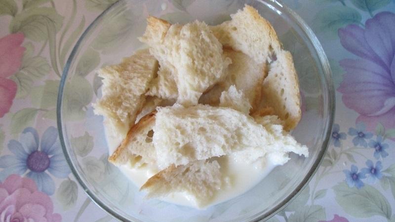 Котлеты по-колхозному: хлеб с водой делает их пышными и сочными. Любимый рецепт!