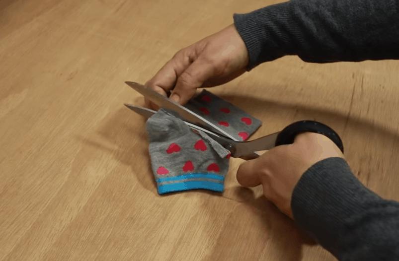 Неожиданно полезная вещь из простых носков: практично и со вкусом