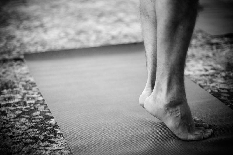Лимфодренажный массаж уберет отеки и всё лишнее: 6 упражнений. Выполнять в медленном темпе.