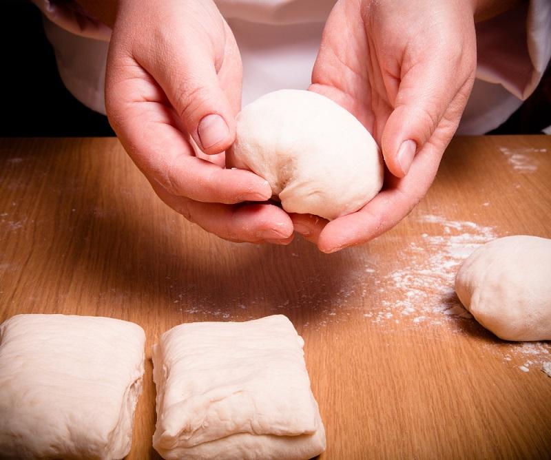 Рецепт теста на майонезе без яиц и масла, как приготовить быстро