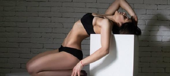 Упражнения для плоского живота, тонкой талии и круглой попы!