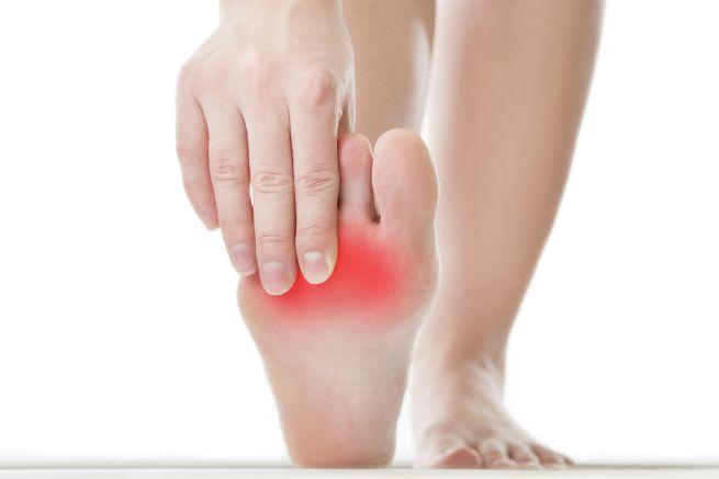 Болят и опухают ноги после длительного хождения на высоких каблуках? Помочь вам в этом могут эти три ингредиента…